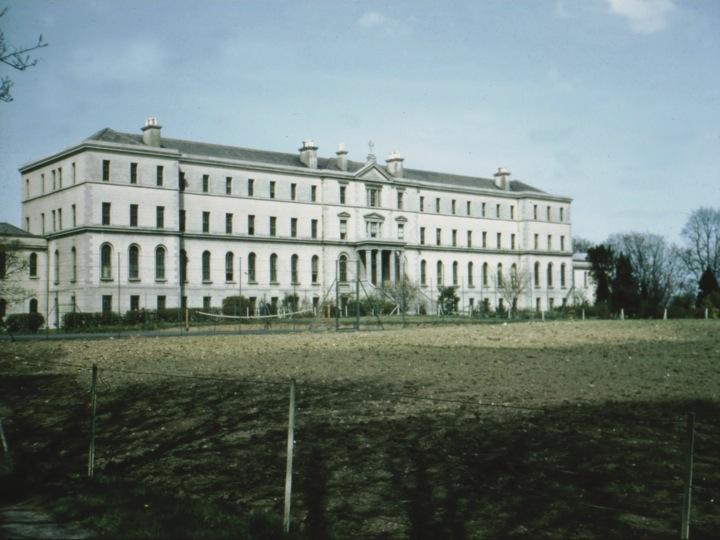 Holy Cross College, the Dublin Diocesan Seminary